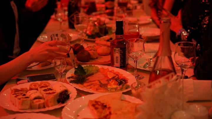 В омских ресторанах перед Новым годом разрешат живую музыку