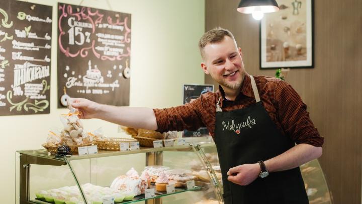 «Я купил не просто франшизу, а целый бизнес-кейс»: как продавец машин из Екатеринбурга открыл пекарню