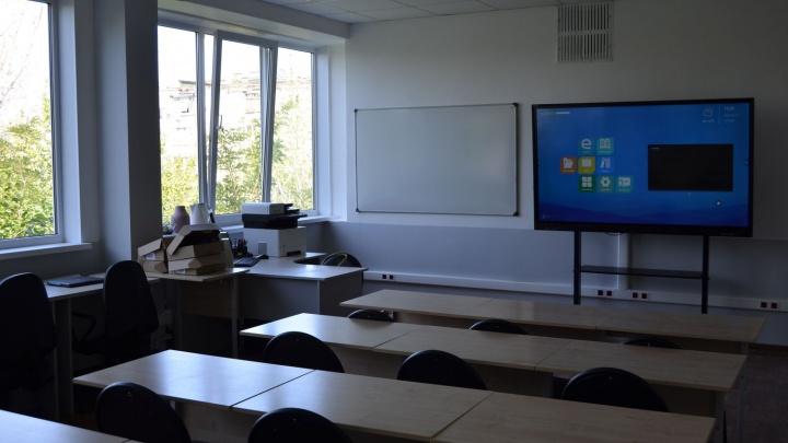 «На карантин посадили класс и девять учителей»: вспышка коронавируса в волгоградской школе