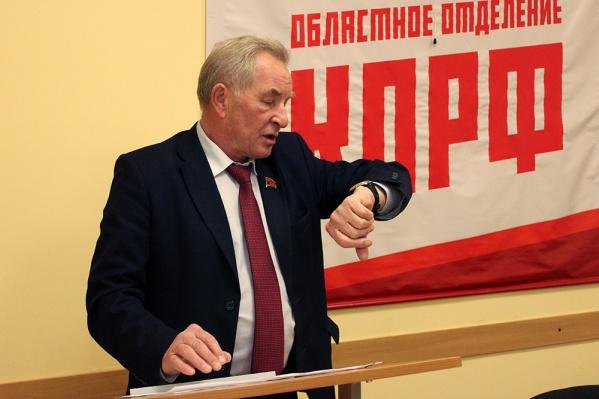 Александр Новиков считает, что можно было побороться на выборах. Но в Москве решили иначе