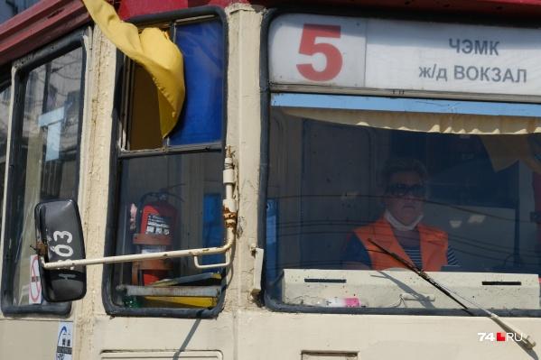 Водители, как и пассажиры, в транспорте должны быть в маске