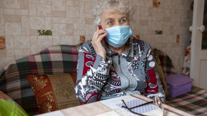 Более 24000 пожилых жителей Омской области пользуются услугами социальных работников