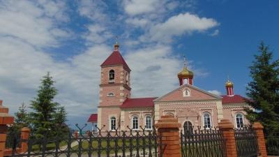 В храм, который успел побывать складом, ищут добровольцев для строительства воскресной школы