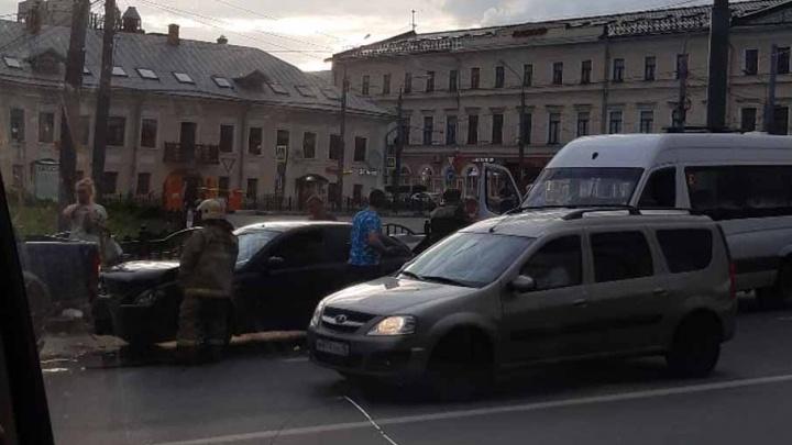 В Ярославле в тройном ДТП пострадали пассажиры маршрутки