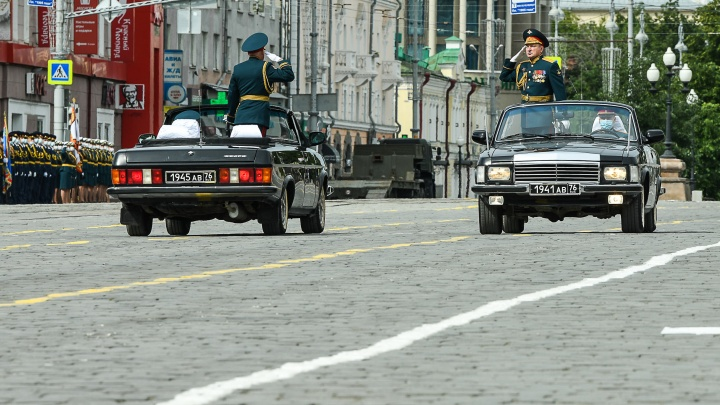 Автомобиль особого назначения: тестируем «Волгу», на которой принимают парад в Екатеринбурге