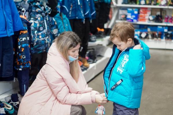 В ассортименте представлен огромный выбор детской одежды