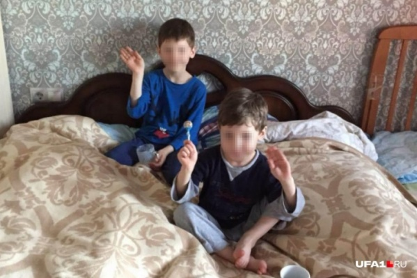 Мальчикам было восемь (Илья) лет и пять (Вячеслав)