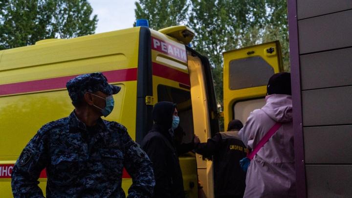 Сотрудники омской скорой, работавшие с Навальным: «Мы что, в лицо ему заглядывали? Не до того было»