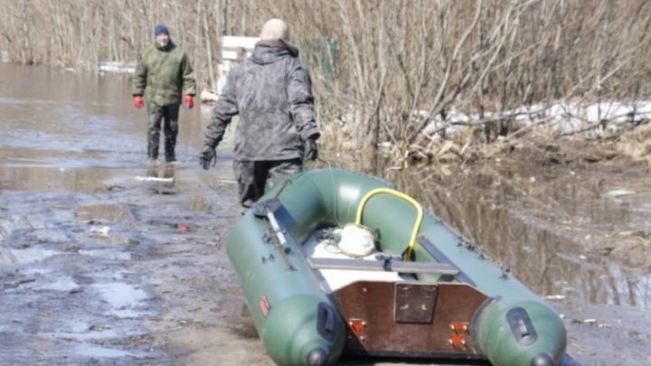 В Архангельске затопило дачи на острове Краснофлотском