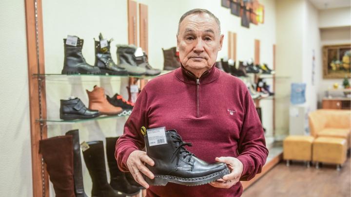 «Бизнес возят мордой по батарее». Владелец сети «Робек» — о том, как чипирование обуви ударило по продавцам