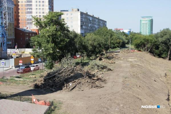 Теперь набережная возле улицы Щербанёва выглядит по-новому