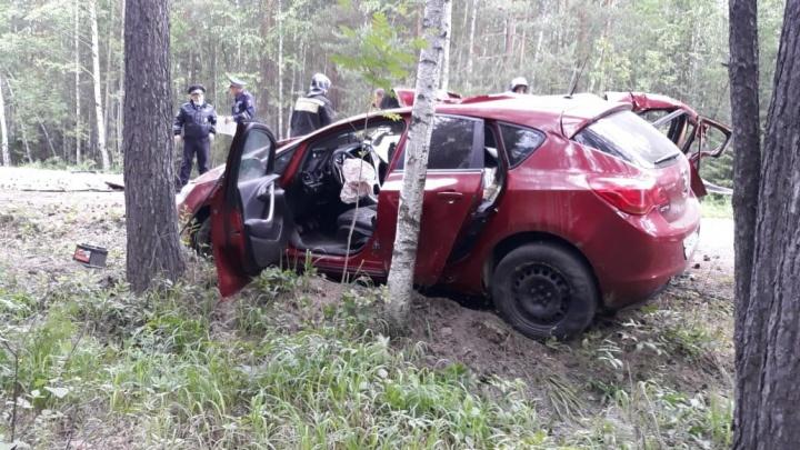 Под Кировградом парень на Opel устроил смертельную аварию после свадебной вечеринки