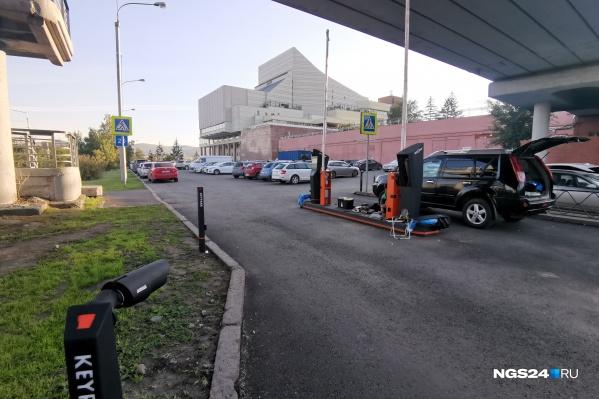 На въезде устанавливают паркоматы