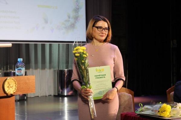 Эльза Сыртланова, с ее слов, помогает удаленно тем сотрудникам, которые остались в РКБ
