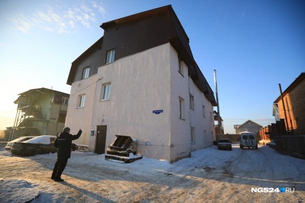 Предприниматели построили дом на Кандагарской, 5, без разрешительных документов