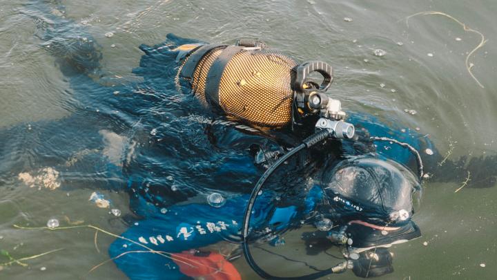Из пруда в Тюмени спасатели извлекли тело подростка