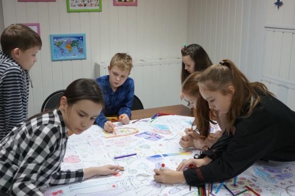 Уже в раннем возрасте дети начинают определяться с тем, чего хотят в жизни; зачастую для исполнения целей нужны знания иностранного языка