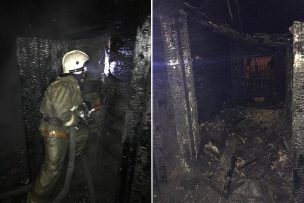 Когда пожарные прибыли на место, дом горел уже по всей площади