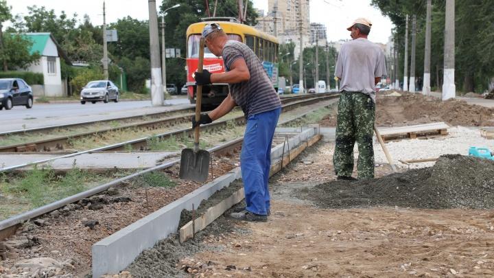 В Волгограде завершен первый этап превращения пустыря в сквер у областной больницы
