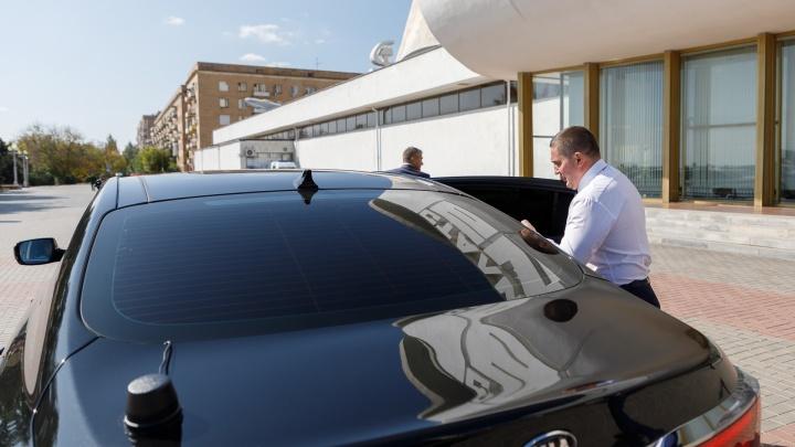 В Волгограде губернатор распродаёт отечественный автопарк