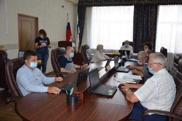 Избирком допустил до участия в выборах кандидатов от пяти партий