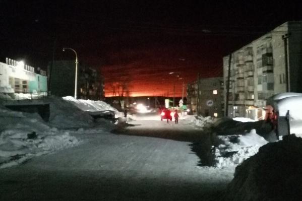 Зарево от взрыва газопровода из Теплой Горы