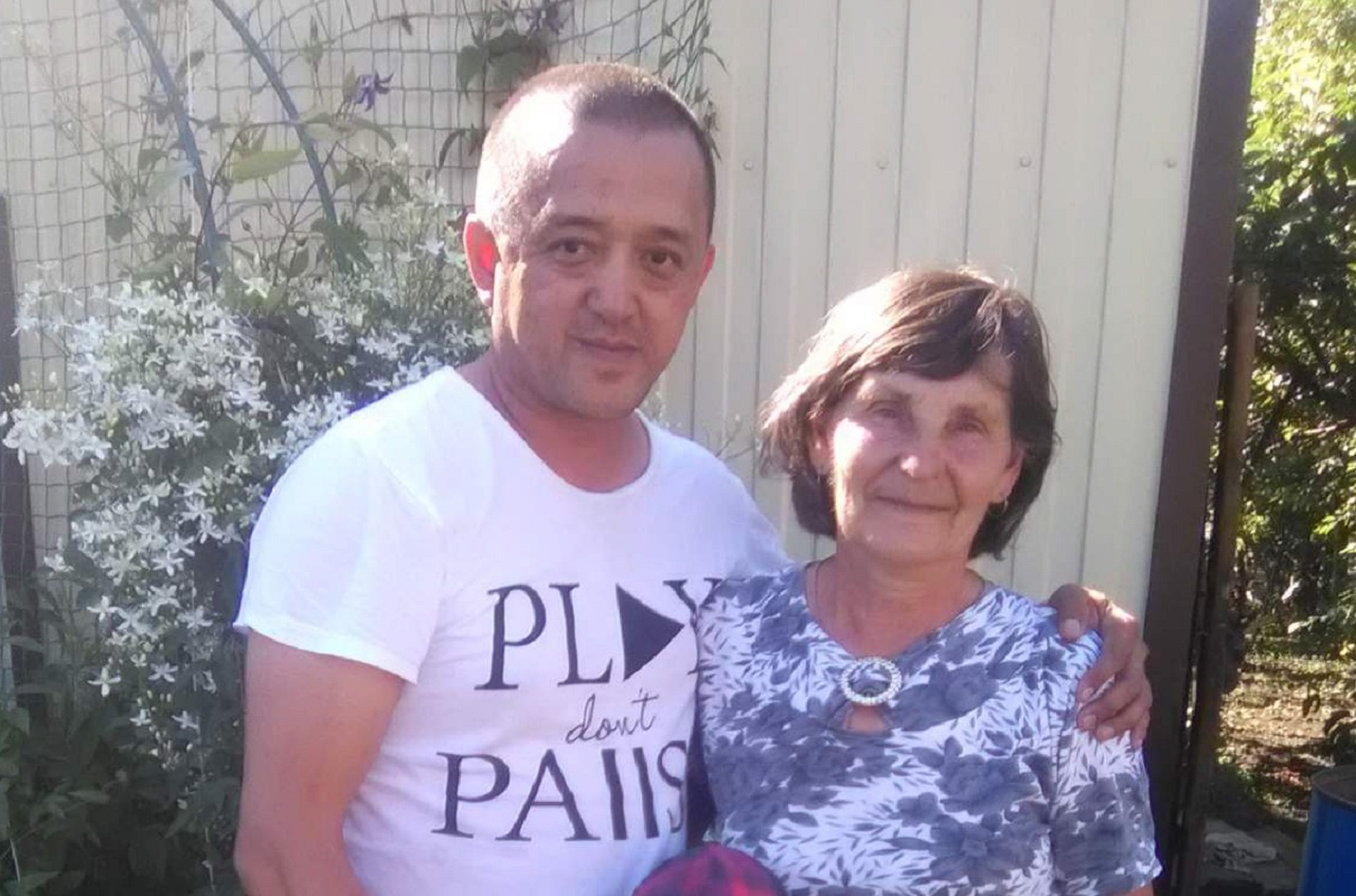 Серик с тётей Александра Бацина