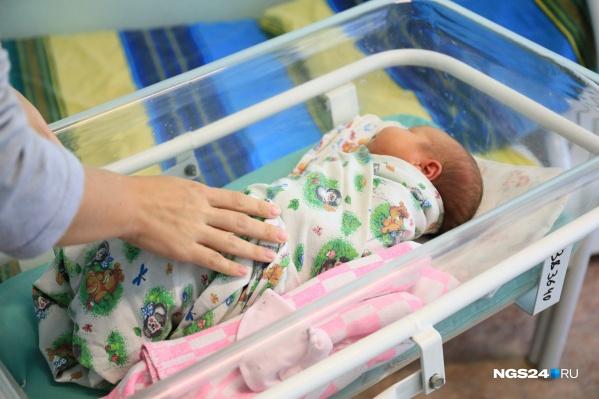 Каждая десятая женщина сталкивается с постродовой депрессией