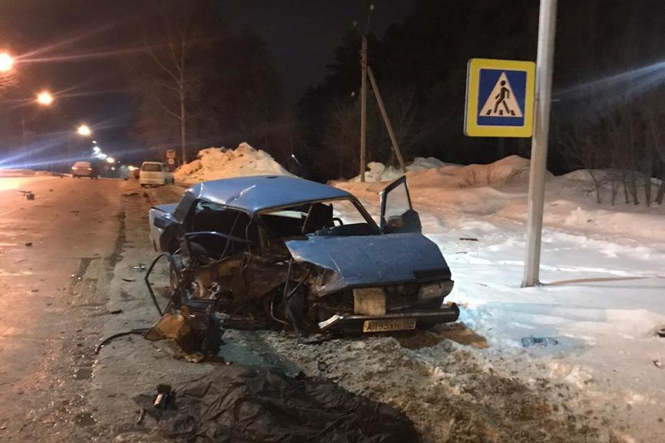 В результате столкновения погибла пассажиркаВАЗ-2107