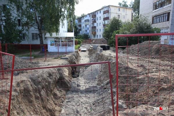 Жители квартала в районе Тутаевского шоссе, Елены Колесовой, Урицкого — мучаются уже год