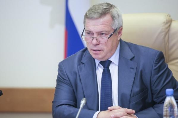 Василий Голубев заявил, что в регионе достаточно масок и средств дезинфекции