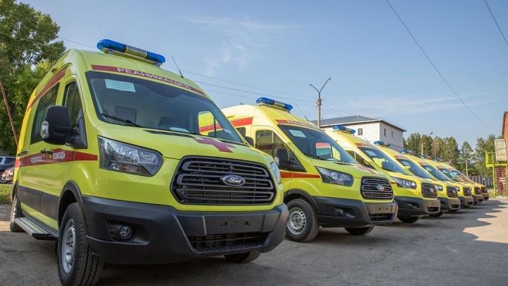 В Кузбассе обновили автопарк скорой. Машины предназначены для пациентов с COVID-19