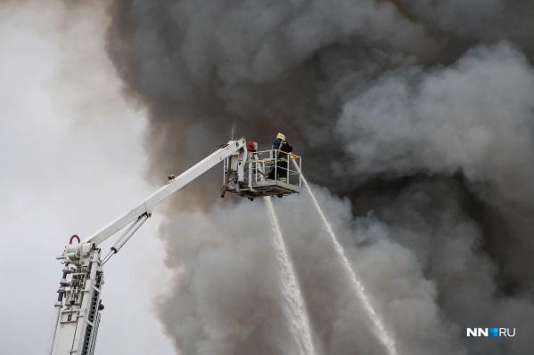 Спасатели разбирались с пожаром в течение нескольких часов