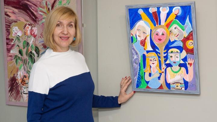«Море.Хиппи.Волгоград»: художница открыла выставку романтических картин назло «черной пятнице»