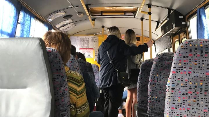 «Меня маска не спасёт, а остальных не заражу»: уфимцы — о средствах защиты в общественном транспорте