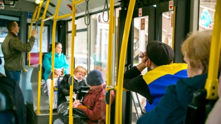 Еще один пассажир устроил дебош из-за требования надеть маску