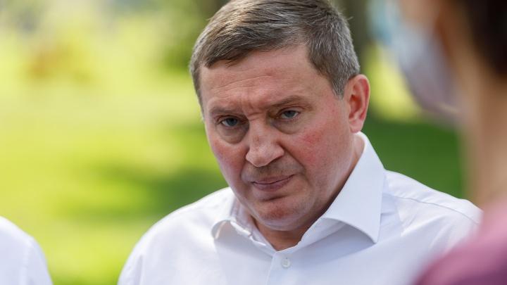 Губернатор Бочаров провел оперативное совещание по COVID-19. Коротко о главном