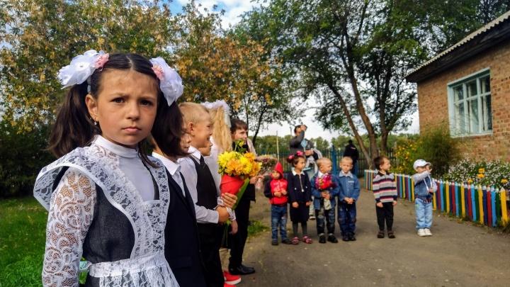 В Омской области на карантин по коронавирусу закрыли классы в 12 школах