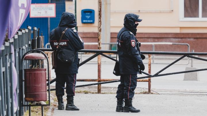 Пермяка оштрафовали за отсутствие маски на улице — он закрывался банданой, но снял ее, подходя к дому