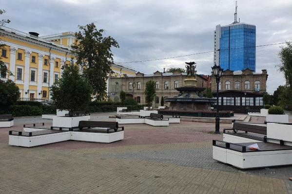 Новые архитектурные формы расставили на Кировке буквально за одну ночь