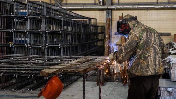 «Кризис отправил нас в другие регионы»: интервью с производителем, который снабжает стройки ЖБИ