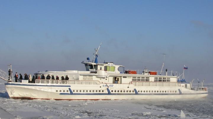 Волгоградский речной порт перешел на зимнюю навигацию