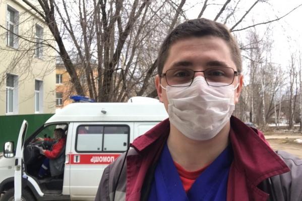 Артем Борискин старается как можно больше времени уделять работе