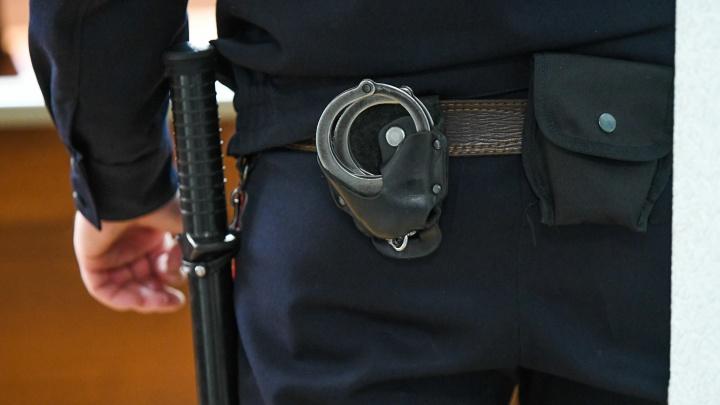 В Екатеринбурге сотруднице полиции оплачивали коммуналку, чтобы она закрывала глаза на нарушения