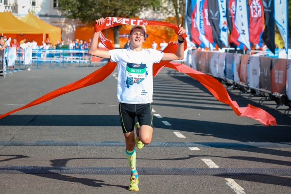 2 августа 2020 года в 9 утра по московскому времени на старт одновременно вышли бегуны во всех федеральных округах России, вне зависимости от часового пояса