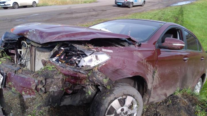 В Курганской области в аварии пострадали три человека
