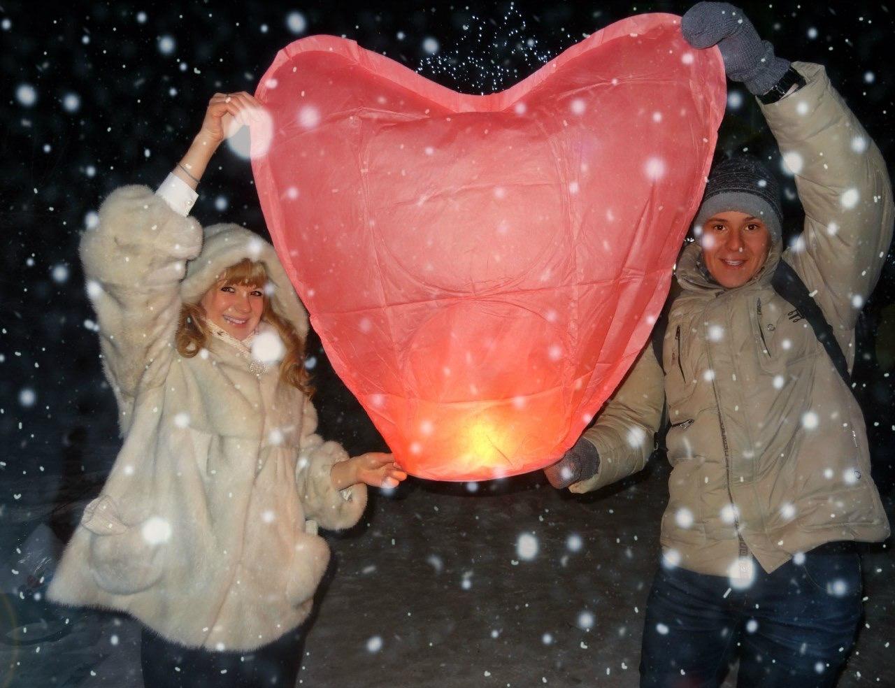 В новогоднюю ночь пара отметила 10 лет со дня знакомства, а в 2017 году Сергей сделал любимой предложение