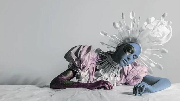 Пермякам покажут сюрреалистичные инсталляции Венеры Казаровой, сделанные в стиле Магритта