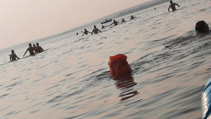 «Там ямы и холодное течение»: знакомый рассказал, как парень утонул в Верх-Исетском пруду