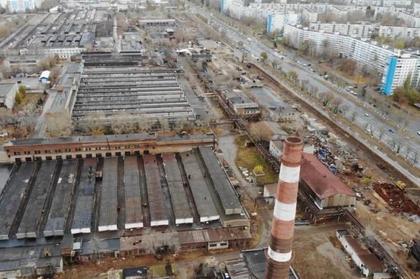 Территория завода действительно огромная